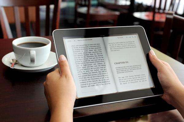 nên đọc ebook hay sách giấy