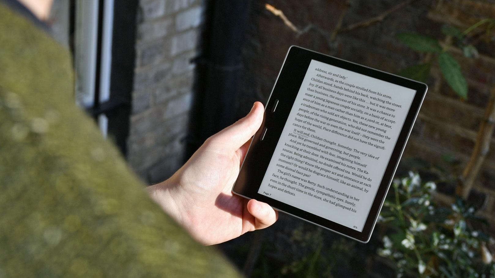 Có nên mua máy đọc sách Kindle Oasis